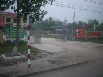 たぶん学校の門