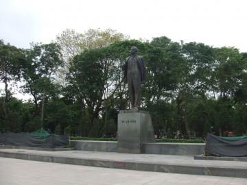 ハノイのレーニン像